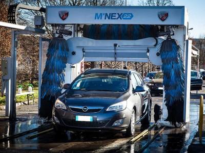 lavare la macchina, sostituzione lampadine, riparare la carrozzeria modena, graffi carrozzeria modena