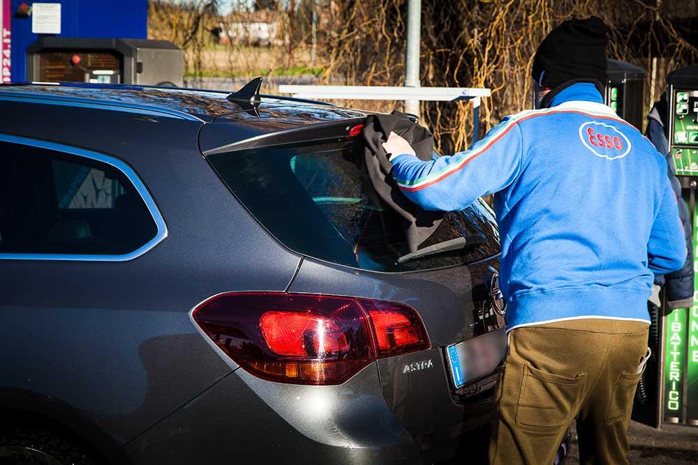 sistemare graffi carrozzeria modena, carrozzeria modena e provincia, sostituzioni fari auto